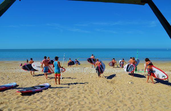 Séance d'initiation en stand-up paddle au club Sup Evasion